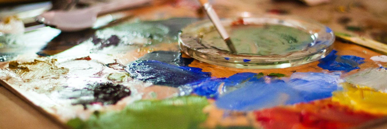 painting-brush-on-palette-1108532