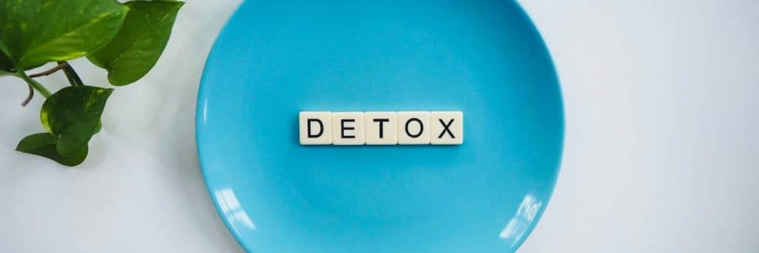 detox-text-on-round-blue-plate-2377166
